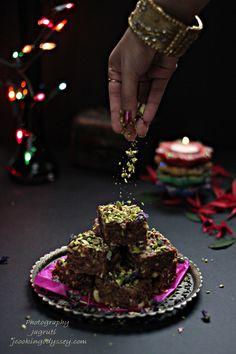 Jagruti's Cooking Odyssey: Habshi Halwa - Dodha - Milky and Spiced Indian Wheat Pudding diwali Indian Dessert Recipes, Indian Sweets, Sin Gluten, Diwali Mithai, Sweets Photography, Comida India, Diwali Food, Sweet Desserts, Savoury Recipes