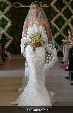 Women's Oscar De La Renta 'Snowflake' Applique Veil