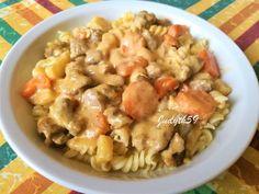 🧡Eszterházy zúzaragu - Jucus konyhájából🧡 Pasta Salad, Meat, Ethnic Recipes, Food, Crab Pasta Salad, Essen, Meals, Yemek, Eten