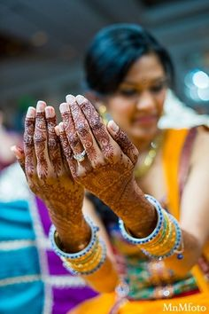 An Indian bride and groom take some portraits at their sangeet. Namaste, Indian Bride And Groom, Wedding Hands, Mehndi Photo, People Of The World, Mehndi Designs, Wedding Photography, Pretty, Asia