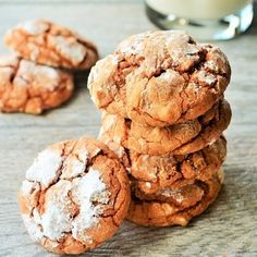 Crinkle Spice Pumpkin Cookies - Full of rich pumpkin and spice flavors, these amazing Crinkle Spice Pumpkin Cookies are easy to make and even easier to eat!!