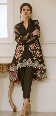 Afshi majid- love her outfit Pakistani Fancy Dresses, Pakistani Fashion Casual, Pakistani Dress Design, Pakistani Outfits, Indian Dresses, Indian Outfits, Indian Fashion, Frock Fashion, Fashion Dresses