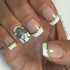 St Patrick's day nail art design