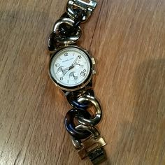 "Michael Kors Tortoise & Gold ""Runway Twist"" Watch In very good condition.  Some links have been removed, but I no longer have them.  Needs a new battery. Michael Kors Accessories Watches"