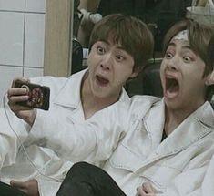 tag yourself. i'm jin Bts Jin, Bts Taehyung, Bts Bangtan Boy, Namjoon, Bts Meme Faces, Funny Faces, Foto Bts, Wattpad, V And Jin