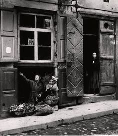 The Roman Vishniac Archive and Collection | International Center of Photography