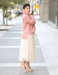 Pairing a tulle skirt with a chunky sweater makes it an awesome fall look. Check out the DIY Tulle skirt pattern review on my blog.