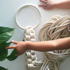 """303 curtidas, 28 comentários - E L S I E    G O O D W I N (@reformfibers) no Instagram: """"It's just a stage. // I'm working on a pattern for a new plant hanger that involves a covered ring…"""""""
