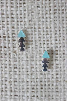 Colorblock Arrow Stud Earring http://www.keyomi-sook.com/products/ung65856