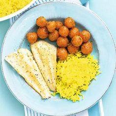 Recept - Vis met gele rijst en wortel - Allerhande