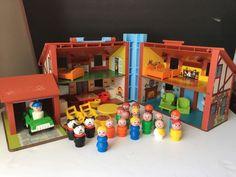 VINTAGE 1980 FISHER PRICE TUDOR HOUSE #952 LITTLE PEOPLE & PLAY PCS..  | eBay