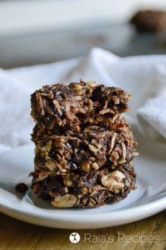 These easy and delicious vegan paleo Dark Chocolate Banana Coconut Cookies are a wonderful healthy treat!   RaiasRecipes.com