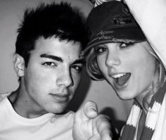 Taylor Swift& Joe Jonas
