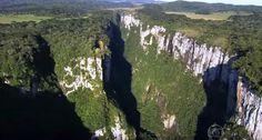 Localizado no sul do Brasil, a região dos Campos de Cima da Serra tem uma natureza irretocável e cânions impressionantes. Você ainda não conhece? Veja agora e encante-se com tanta beleza!