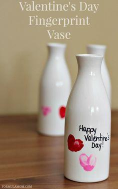 Valentine Crafts for Preschoolers: Fingerprint Vase #ValentinesDay #crafts
