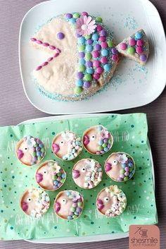 Fisch-Muffins und Fisch-Kuchen für die Taufe meiner Nichte. Mit Smarties und Mini-Marshmallows gebacken und dekoriert von shesmile.
