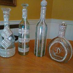 A Little Gaudy Bling Bottles, Glitter Wine Bottles, Wine Bottle Glasses, Bottles Craft 4 - Diy Crafts Glitter Wine Bottles, Bling Bottles, Liquor Bottle Crafts, Wine Bottle Glasses, Wedding Wine Bottles, Wine Bottle Art, Painted Wine Bottles, Diy Bottle, Liquor Bottles