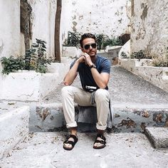 regram @birkenstockid Style your ARIZONA  Pair them with your favorite shirt and rolled up trousers, guess they will do super fine.  Show us how you rock your Birkenstock. Tag us on your photo with Birkenstock to get featured.  #Birkenstock #Birkenstockid #Rockthebirkenstock