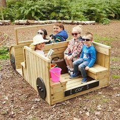 Rollenspiel-LKW aus Holz im Freien Understairs Ideas aus Freien Holz RollenspielLKW Kids Outdoor Play, Outdoor Play Areas, Kids Play Area, Outdoor Toys, Outdoor Fun, Natural Outdoor Playground, Kids Backyard Playground, Backyard For Kids, Playground Ideas