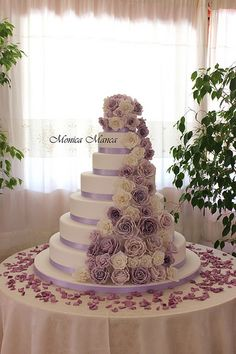 The flowers make the cake complete