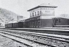 Estación Feve II Railroad Tracks, Lions Photos, Fun Facts, Antique Photos, Souvenirs, Countries, Cities