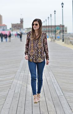 Just For Prints | H&M printed blouse, Ann Taylor skinny jeans, BCBG Generation studded heels, spring fashion, spring outfit, spring style, NYC street style, fashion blogger #ToBeBright - shop the look: https://go2b.uy/%40tobebright/1