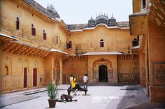 Nahargarh Fort, which was the residence of the King Sawai Jai Singh II, is on top of a hill in the northwest corner of the old city in Jaipur. The fort houses Madhavendra Bhawan which was the summer residence of the royal family. The fort looks brilliant when illuminated  at night.