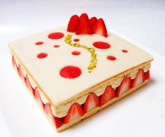 You want healthy desserts? Please check the info in the full post here. Patisserie Design, Blog Patisserie, Healthy Desserts, Delicious Desserts, Fancy Cake, Cake Recipes, Dessert Recipes, Modern Cakes, Elegant Desserts