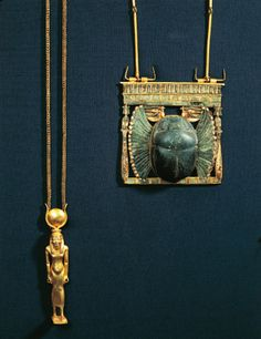 Treasure of Tanis, gold pendant with Isis and scarab breastplate (c) De Agostini Picture Library