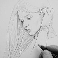 """Друзья, кто уже ходил на """"Защитников"""" , как вам? Я сам не смотрел, но знаю, что там играет одна из красивейших женщин российского кино @alilanina , которая и вдохновила меня на этот легкий утренний набросок. ✏✏✏✏✏✏✏✏✏✏✏✏✏✏✏✏✏✏✏✏✏✏ #donchenko_pencil #москва#сергиевпосад #рисунок #карандаш #artcollective #art_spotlight #АлинаЛанина #proartists #artistic_share #artistic_nation #art_secret #портрет #artmagazine #arthomepage#art_prime #artistsdrop #arrtposts #featuring_art #art_conquest #blvart…"""