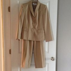 Better Than The Pics! 2-Piece Pants Suit, Sz 6