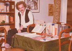 Κωστής Παπαγιώργης, 1981, στο σπίτι του στο Χαλάνδρι Books, Furniture, Home Decor, Libros, Decoration Home, Room Decor, Book, Home Furnishings, Book Illustrations