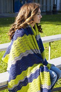 Spirit Wave Stadium Blanket - Free crochet pattern by Laura Krzak / Cascade Yarns.