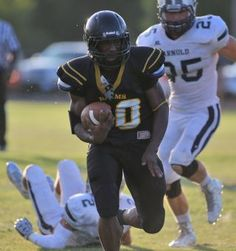 Rutherford faced off with Arnold and Bay faced off with Mosley during spring football on May 29.  (Patti Blake | The News Herald)