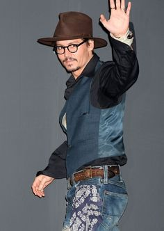 Johnny Depp attends a press conference promoting 'Sweeney Todd' at Grand Hyatt Tokyo on January 9, 2008 in Tokyo, Japan. The film opens January 19, 2008 in Japan.