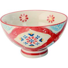 Display an array of bright fruits or serve golden-brown dinner rolls with this charming bowl, a lovely accent for the dinner table or kitchen island.