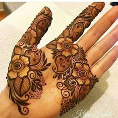 on tattoos && henna/mendi мехенди, хна, татуи Finger Henna Designs, Arabic Henna Designs, Mehndi Designs 2018, Mehndi Designs For Girls, Modern Mehndi Designs, Wedding Mehndi Designs, Simple Mehndi Designs, Wedding Henna, Bridal Henna