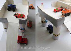 Diario di una Creamamma: Un parcheggio per le macchinine (tutto riciclato!)