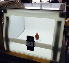 Make this high quality lightbox and 3D scanner from an old microwave.