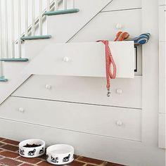 Aménagement sous l'escalier: 60 idées de cuisines, placards, et bureaux