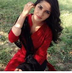 BREATH TAKER RUHANI SHARMA Local Girl Photo, Dehati Girl Photo, Celebrity Pictures, Girl Pictures, Girl Photos, Village Girl Images, Girl Photo Download, Pakistani Girls Pic, Girls Near Me