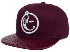 YUMS Classic Outline Snapback Cap