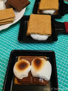 Homemade s'more on the Velata Raclette Grill. No fire? No problem! Make these yummy treats indoors within minutes. Homemade s'more on the Velata Raclette Grill. No fire? No problem! Make these yummy treats indoors within minutes. Fondue Raclette, Raclette Party, Fondue Party, Raclette Ideas Dinner Parties, Easy Homemade Desserts, Fun Desserts, Raclette Originale, Food Tags, Dessert For Dinner