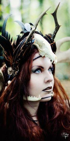 -->Photographer/Photographe : Hurluberlue -->Model/Modèle : mademoiselle Lelaya -->Make Up-Hair / Maquillage/Coiffure : Sophie R -->Corset : GothSaveTheQueen -->Costume-tiara-shoulder / costume-tiare-épaulettes: La Dame de Lys