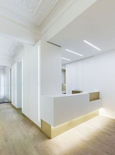 Weissraum #Dental Surgery by Ippolito Fleitz Group +++: