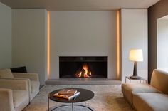 9 Fabulous Useful Ideas: Contemporary Bedroom Masculine contemporary interior foyer. Fireplace Lighting, Linear Fireplace, Home Fireplace, Fireplace Surrounds, Fireplace Ideas, Fireplace Modern, Farmhouse Fireplace, Simple Fireplace, Contemporary Fireplace Designs