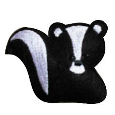 wc10 - Woodland Skunk Machine Embroidery Design