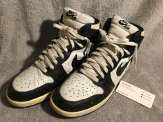 6f86f0f301d6dc Black   White 1985 Nike Air Jordan 1 Size 10 OG Michael Jordan Bulls Jordan  Bulls