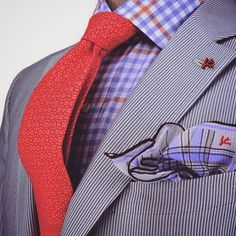 A grey vertical striped blazer and a light violet gingham dress shirt are the perfect way to introduce some rugged sophistication into your current casual repertoire. Sharp Dressed Man, Well Dressed Men, Dress Suits, Men Dress, Suit Fashion, Mens Fashion, Terno Slim, Mode Costume, Red Shirt Dress