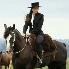 Estilo Cowgirl, Cowgirl Chic, Western Chic, Horse Caballo, Andalusian Horse, Gaucho, Beautiful Horses, Beautiful Women, Women's Equestrian